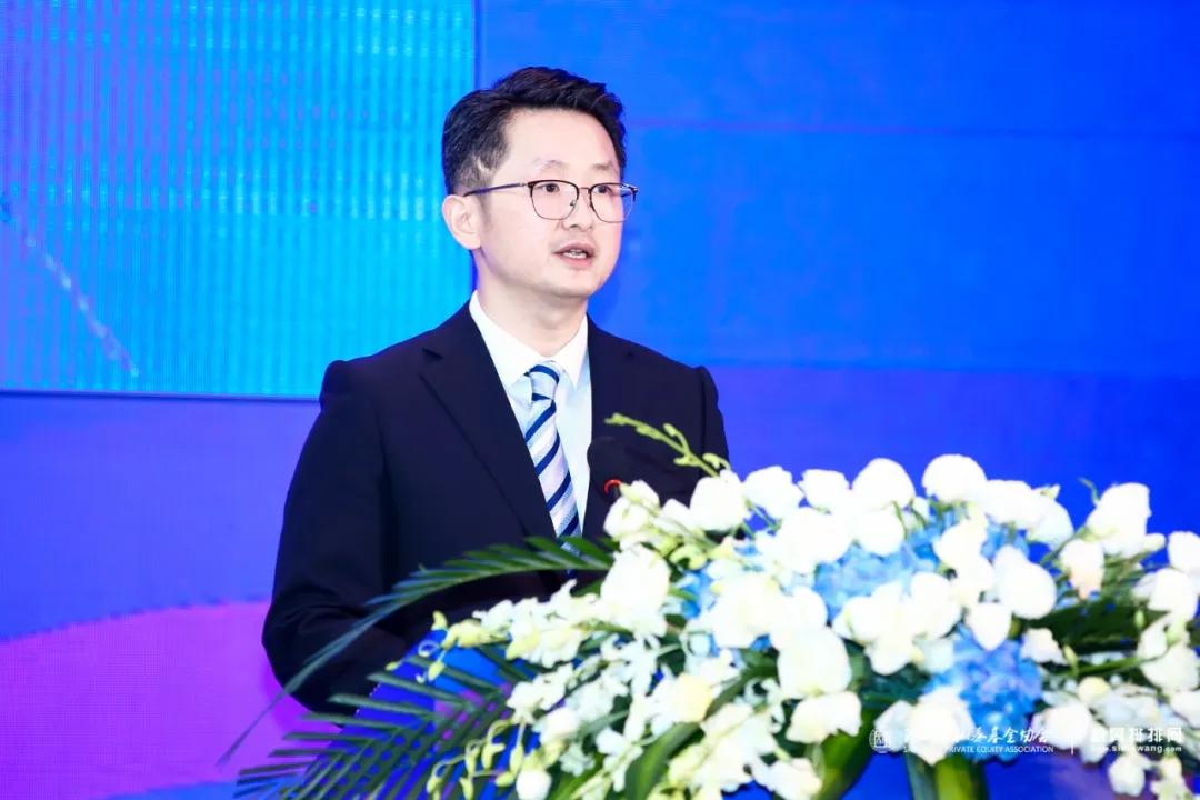 在一篇文章中了解基金峰会论坛:肖钢、王忠民和顶级公募讨论行业发展